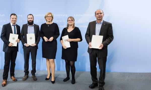 Experimentierfeld EXPRESS: Bescheidübergabe durch Bundesministerin Julia Klöckner