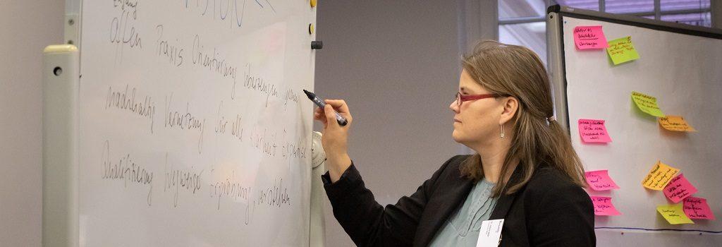 Wissenstransfer in EXPRESS: Dr. Juliane Welz während des Visions-Workshops zu Projektbeginn